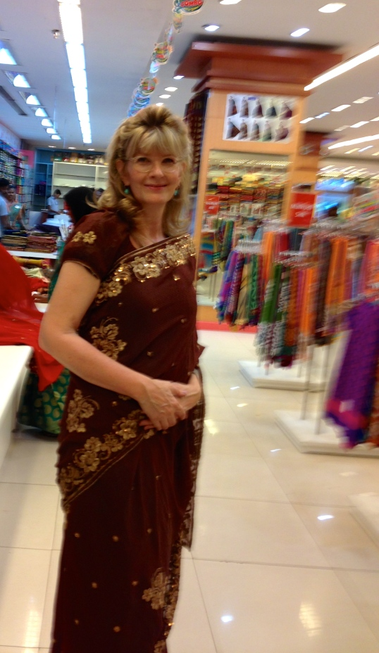 laurie buys a sari