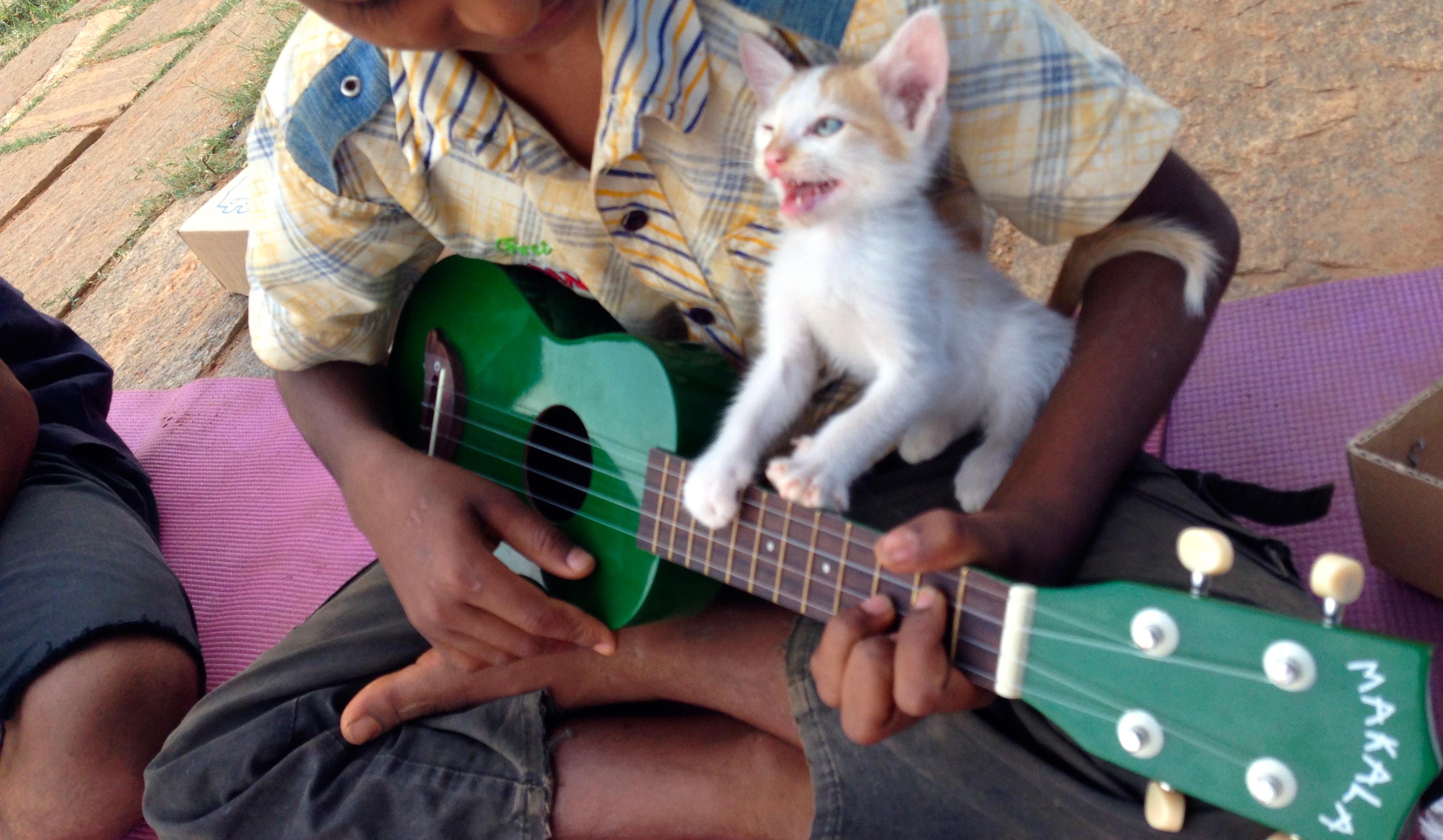hello kitty: pinkie!