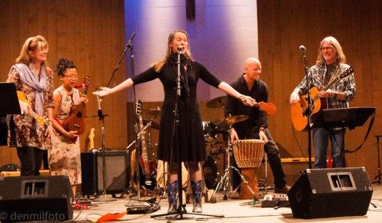 heidi swedberg rocks the house -- sgub benefit 2014